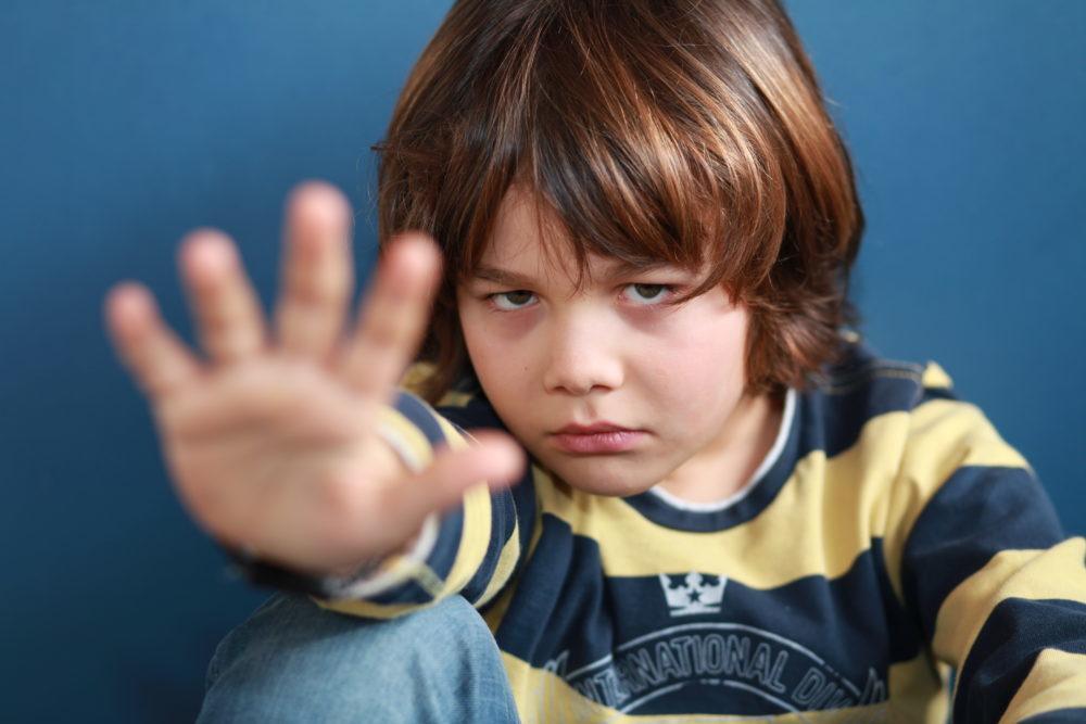 Achtung! Mann mit Messer spricht 9-Jährigen an - Zeugen